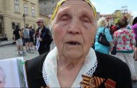Труженица тыла, вдова ветерана войны Виноградова Василия Николаевича. «Бессмертный полк» в Праге