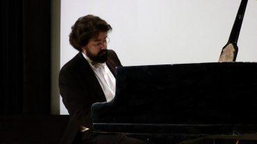 Николя Челоро исполняет три своих прелюдии и три прелюдии Сергея Рахманинова
