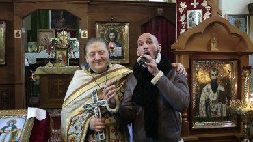 Ладислав Бубнар поёт в православной церкви Чехии